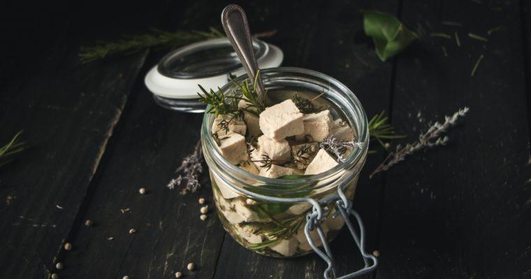 Tofu croustillant, mariné façon feta