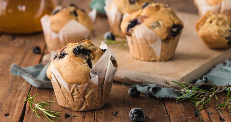 Muffins mûres et romarin
